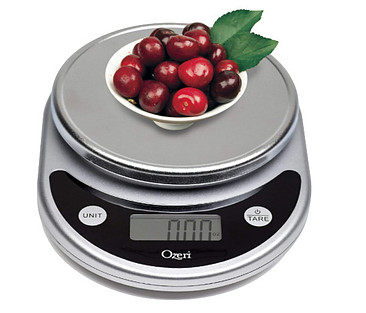 calorie counting with a food scale